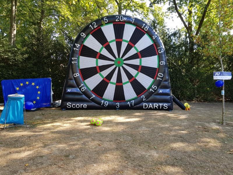 Der JU-Fußball-Darts-Stand